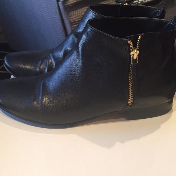 Cole Haan Shoes - Cole Haan Black booties with zipper